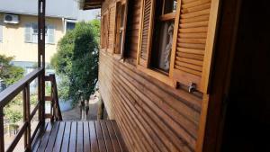 Casa de madeira em Caxias do Sul, Prázdninové domy  Caxias do Sul - big - 23