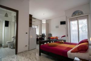 La Voliera, Bed and breakfasts  Rome - big - 41