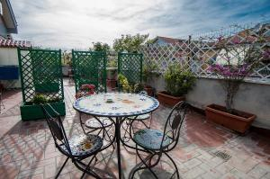 La Voliera, Bed and breakfasts  Rome - big - 124