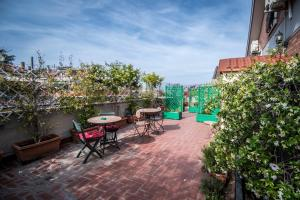 La Voliera, Bed and breakfasts  Rome - big - 1