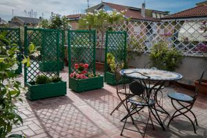 La Voliera, Bed and breakfasts  Rome - big - 116