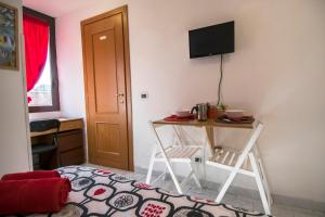 La Voliera, Bed and breakfasts  Rome - big - 58