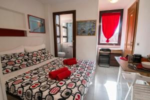 La Voliera, Bed and breakfasts  Rome - big - 47