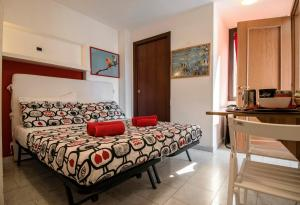 La Voliera, Bed and breakfasts  Rome - big - 49