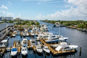 Sands Harbor Resort and Marina, Hotels  Pompano Beach - big - 36