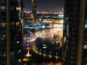 Sunshine {Ease By Emaar} | Downtown with Burj Khalifa and Fountain Views - Dubai