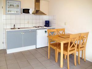 Ferienhaus Tossens 112S, Case vacanze  Tossens - big - 11