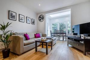 Entire Home in Islington sleeps 4 with garden, Apartments  London - big - 1