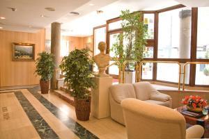 Hotel Tibur, Hotel  Saragozza - big - 31
