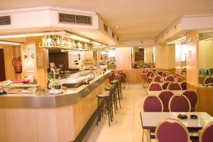 Hotel Tibur, Hotel  Saragozza - big - 30