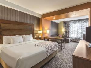 La Quinta Inn & Suites Durango, Отели  Durango - big - 19