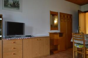 Casa Collini, Ferienwohnungen  Pinzolo - big - 121