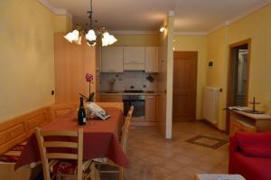 Casa Collini, Ferienwohnungen  Pinzolo - big - 131