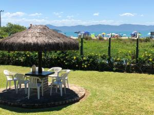 Villa das Alamandas, Holiday homes  Florianópolis - big - 19