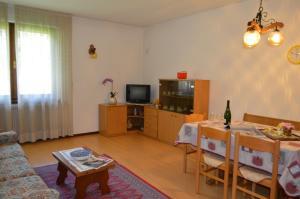 Casa Collini, Ferienwohnungen  Pinzolo - big - 63