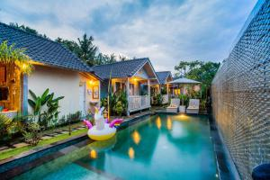 The Syron Huts Lembongan