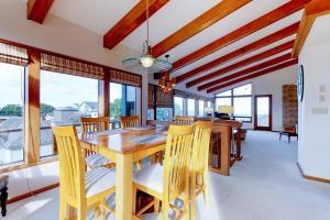Cliffside Retreat, Ferienhäuser  Newport - big - 5