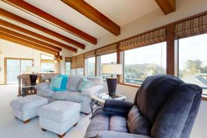 Cliffside Retreat, Ferienhäuser  Newport - big - 8