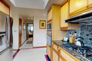 Cliffside Retreat, Ferienhäuser  Newport - big - 10