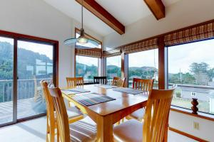 Cliffside Retreat, Prázdninové domy  Newport - big - 16