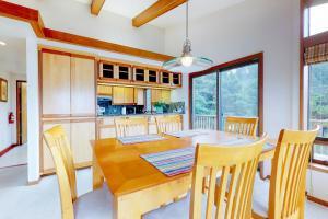 Cliffside Retreat, Prázdninové domy  Newport - big - 24