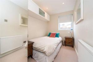 2 Bedroom Apartment Sleeps 3 in Battersea, Apartmány  Londýn - big - 4