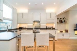 2 Bedroom Apartment Sleeps 3 in Battersea, Apartmány  Londýn - big - 7
