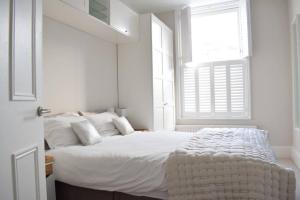 2 Bedroom Apartment Sleeps 3 in Battersea, Apartmány  Londýn - big - 10