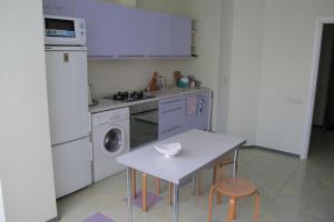 Апартаменты у Приморского Парка, Апартаменты  Ялта - big - 16