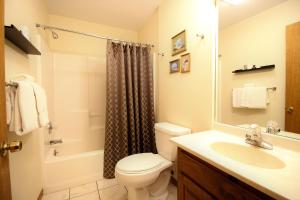 Peach Tree Inn & Suites, Hotely  Fredericksburg - big - 74