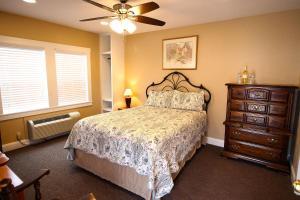 Peach Tree Inn & Suites, Hotely  Fredericksburg - big - 13