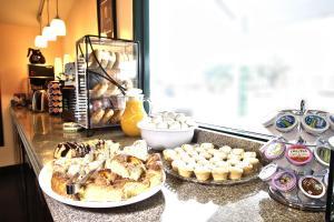 Peach Tree Inn & Suites, Hotely  Fredericksburg - big - 41