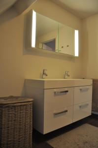 Apartment Albertushof, Apartmanok  Ypres - big - 6