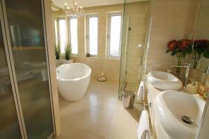 Apartments Marer, Apartments  Trogir - big - 41