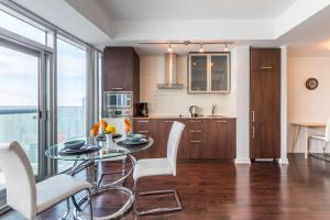 Premium Suites - Furnished Apartments Downtown Toronto, Apartmanok  Toronto - big - 137