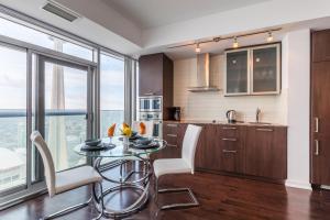 Premium Suites - Furnished Apartments Downtown Toronto, Apartmanok  Toronto - big - 66