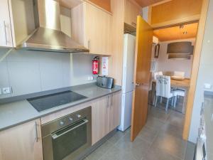 Bon Relax Flat 2, Ferienwohnungen  Sant Pere Pescador - big - 33