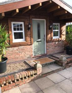 Garden Lodge @ The Larches