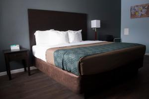 Econo Lodge Inn & Suites South Sandusky, Hotels  Sandusky - big - 56