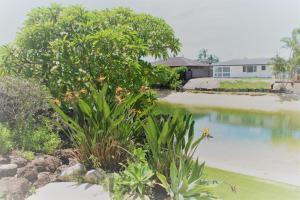 Luxury Home Broabeach Waters
