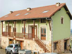 Una foto de Two Bedroom Holiday Home in Udias