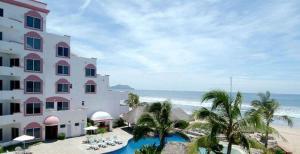 Costa Bonita Condominium & Beach Resort Reviews