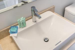 Premium Suites - Furnished Apartments Downtown Toronto, Apartmanok  Toronto - big - 157