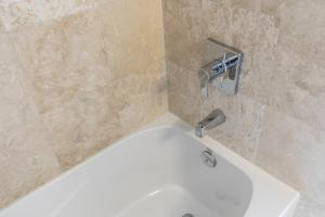 Premium Suites - Furnished Apartments Downtown Toronto, Apartmanok  Toronto - big - 154