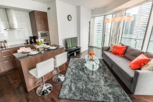Premium Suites - Furnished Apartments Downtown Toronto, Apartmanok  Toronto - big - 75
