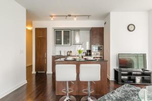 Premium Suites - Furnished Apartments Downtown Toronto, Apartmanok  Toronto - big - 103