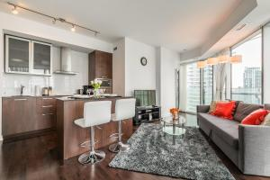 Premium Suites - Furnished Apartments Downtown Toronto, Apartmanok  Toronto - big - 113