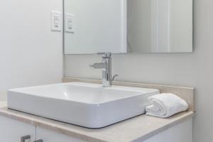Premium Suites - Furnished Apartments Downtown Toronto, Apartmanok  Toronto - big - 189