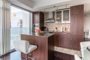 Premium Suites - Furnished Apartments Downtown Toronto, Apartmanok  Toronto - big - 79