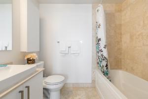 Premium Suites - Furnished Apartments Downtown Toronto, Apartmanok  Toronto - big - 107